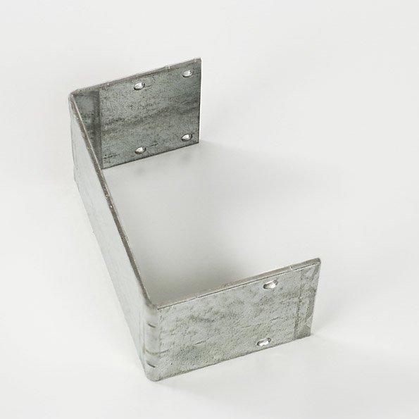 Montageplaat voor bumper bij laagsysteem